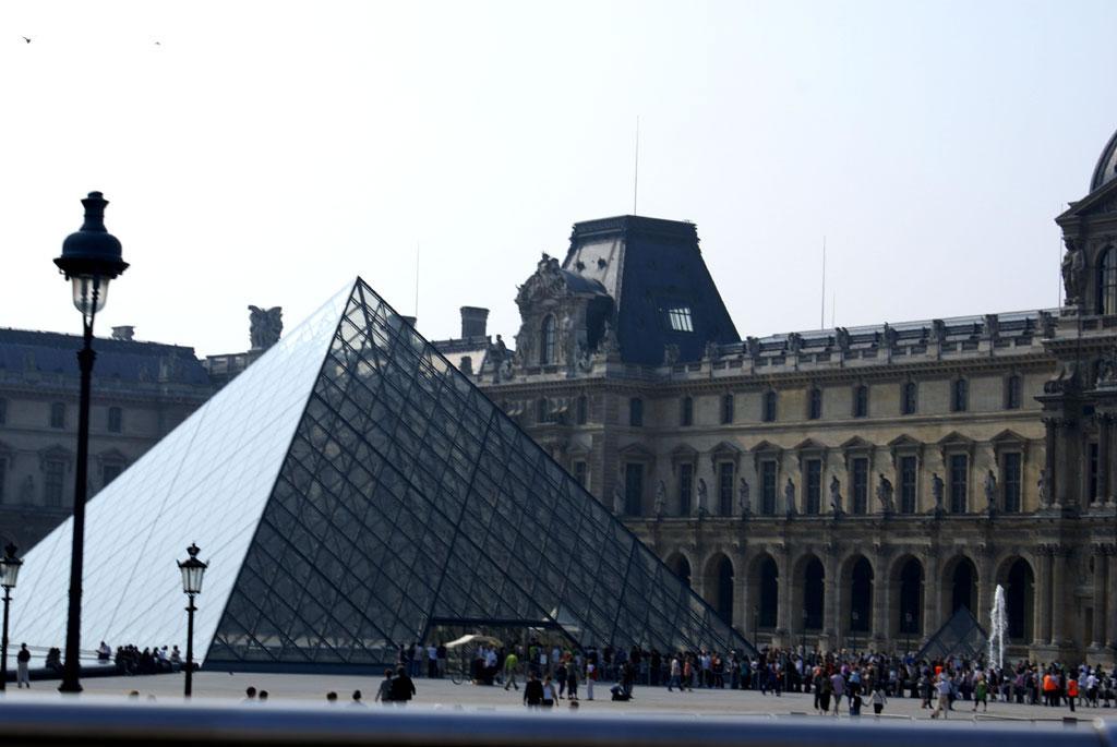 Paris, France Folder C / parisC155-louvre-DSC01001 jpg